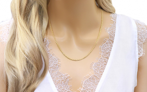 "2mm/0.079 Gold Chain ""Valis"" - IZ5985 - on a mannequin"