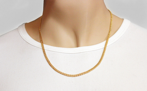 3,7mm/0.12'' Gold Curb Chain - IZ8085 - on a mannequin