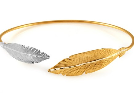Gold plated 925 sterling silver hoop bracelet feathers