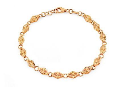 Gold bracelet with diamonds and glittering engraving