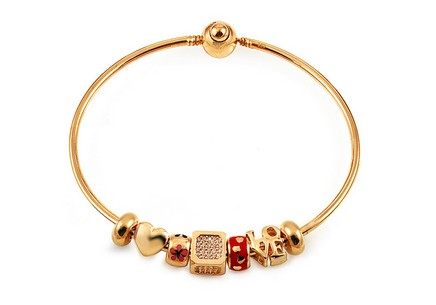 Palmyra - Exclusive gold bangle bracelet with pendants