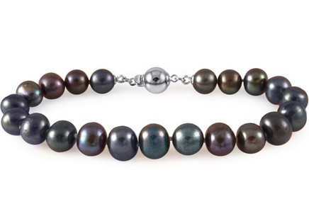 Silver bracelet from purple pearls