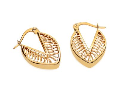 Gold earrings with carved pattern