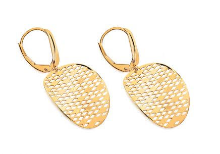 Gold oval earrings with pattern