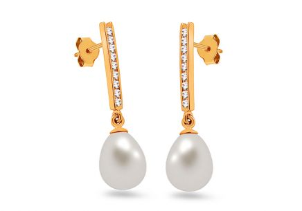 Gold pearl earrings with zircons