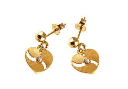 Gold-plated 925Sterling silver earrings with heart design
