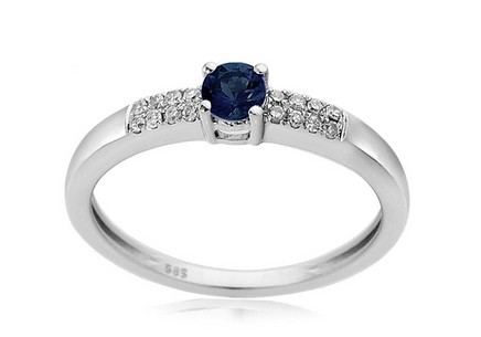 Engagement Ring with Sapphire and Diamonds Isabeau