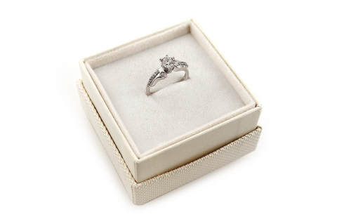 Gold Engagement Ring Isarel 28 - CSRI806A - in a box