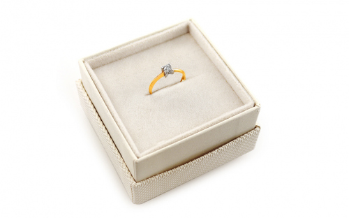 Gold Engagement Ring with Zircon Raven - IZ10623 - in a box