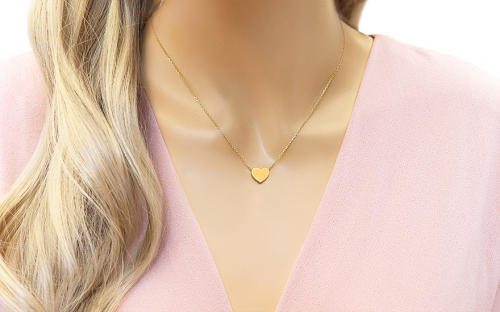 Gold necklace with heart plate - IZ14515 - on a mannequin