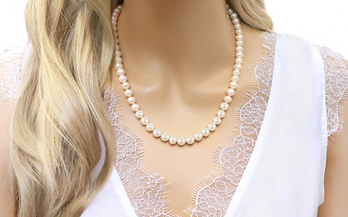 white pearls Necklace on 925sterling Silver - IS1275 - on a mannequin