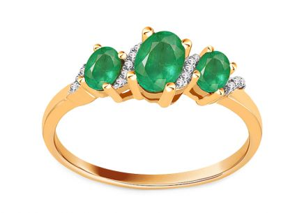 Gold emerald ring with diamonds 0.040 ct
