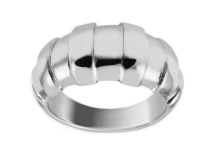 Distinctive silver ring