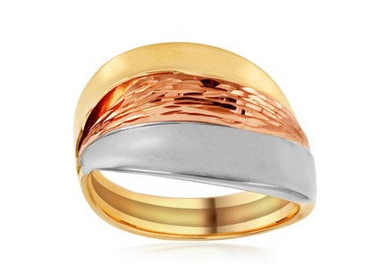 Gold tri-color ring with engraving