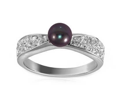 Rhodium plated 925Sterling Silver Women's ring decorated with Pearl and cubic zirconia