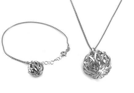 Rhodium plated sterling Silver set decoration with ball design