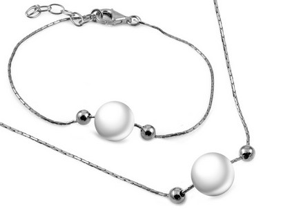 Silver set with pearl