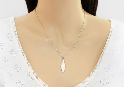 Rhodium plated 925Silver necklace with feather fashion - IS1244ARM