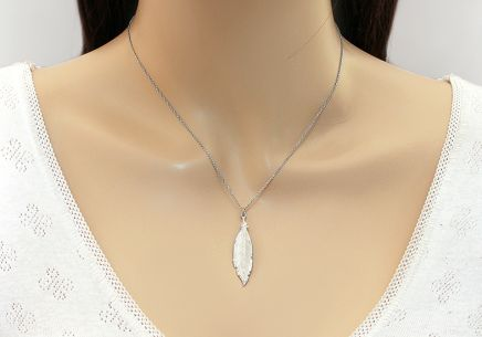 Rhodium plated 925Silver necklace with feather fashion - IS1244AI