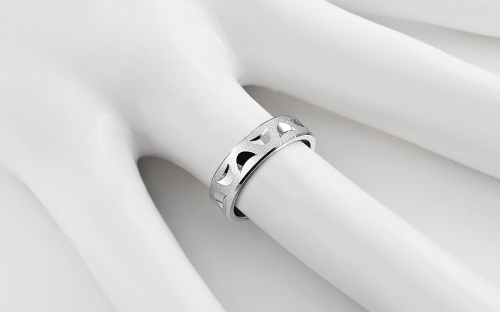Rhodium plated sterling Silver wedding rings sanded 5 mm - STOB132AG - on a mannequin