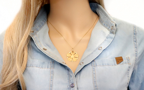 Women's Gold Flower Pendant - IZ546