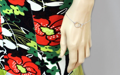 Women's silver bracelet - IS424N - on a mannequin
